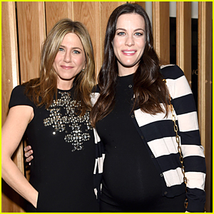 Jennifer Aniston & Liv Tyler's Growing Baby Bump Get Some One-on-One Time at 'Cake' Screening