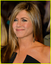 Jennifer Aniston Reacts to Her Golden Globe Nomination