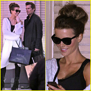 Kate Beckinsale & Len Wiseman Share an Adorable Moment After Christmas Shopping