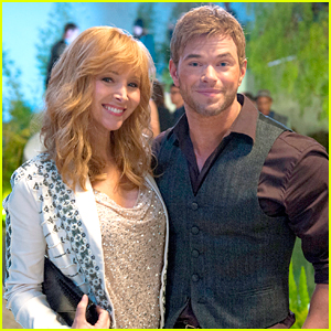 Kellan Lutz Makes a Welcome Return for 'The Comeback' Finale