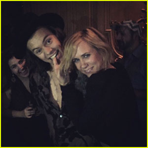 Harry Styles & Kristen Wiig Dancing to '(I've Had) The Time of My Life' Is the Best Thing to Happen All Weekend
