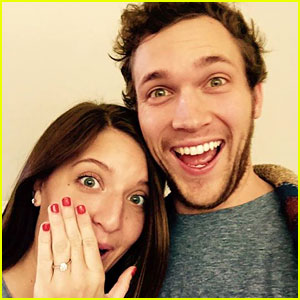'American Idol's Phillip Phillips Proposes to His Long-Time Girlfriend Hannah Blackwell