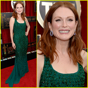 Julianne Moore Is a Stunning Nominee at the SAG Awards 2015
