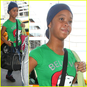 Quvenzhane Wallis Takes To The Skies After Ricky Gervais Flubs Her Name At Golden Globes
