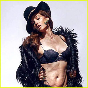 Cindy Crawford's Unretouched Lingerie Photo Goes Viral