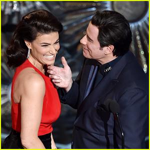 Idina Menzel & John Travolta Reunite at Oscars: 'Glom Gazingo'!