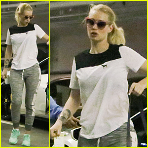 Iggy Azalea Steps Out After Quiting Twitter