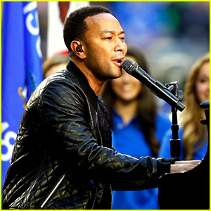 John Legend: 'America the Beautiful' at Super Bowl 2015 (Video)