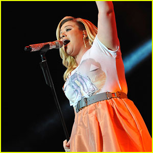 Kelly Clarkson Shares Some Behind-the-Scenes Footage of Her London Press Tour