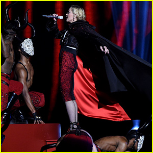 Madonna Falls On Stage Backwards at BRIT Awards 2015 (Video)
