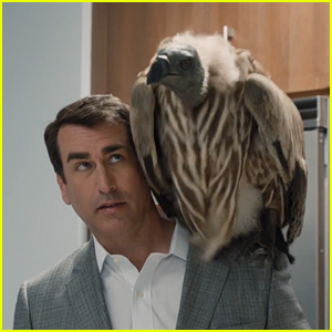 T-Mobile Super Bowl 2015 Commercial: Rob Riggle Carries a Data Vulture Around - Watch Now!