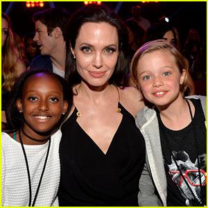 Angelina Jolie Brings Shiloh & Zahara to Kids' Choice Awards 2015!