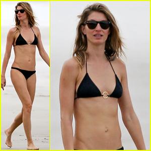 Gisele Bundchen Puts Her Flawless Bikini Body on Display