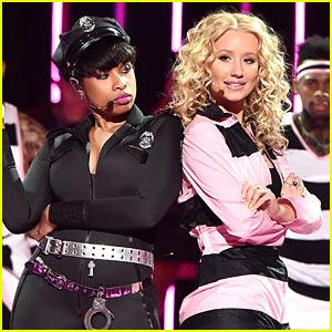 Iggy Azalea & Jennifer Hudson Perform 'Trouble' at iHeartRadio Music Awards 2015! (Video)