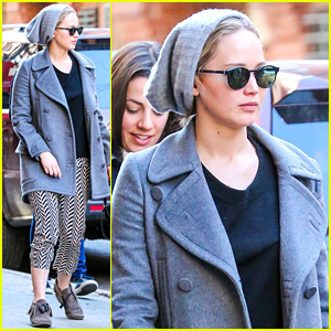Jennifer Lawrence Hangs with Friends in New York City