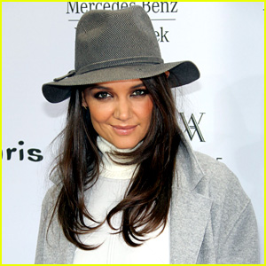 Katie Holmes Dances it Out Amid Jamie Foxx Dating Rumors