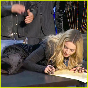 madonna-signed-the-tidal-declaration-lik
