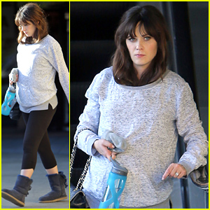 Zooey Deschanel Shows Off Her Baby Bump After Her Workout