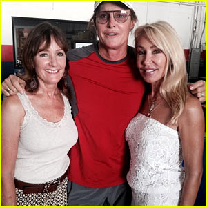Bruce Jenner Poses with Two Ex-Wifes in New Photo!
