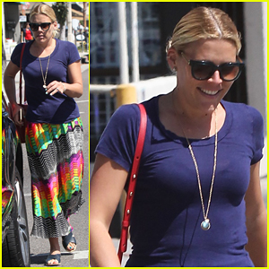 Busy Philipps Steps Out After Series Finale of 'Cougar Town'!