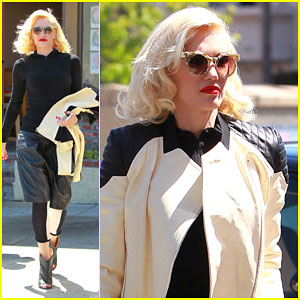 Gwen Stefani Catches Eyes in Long Leather Shorts