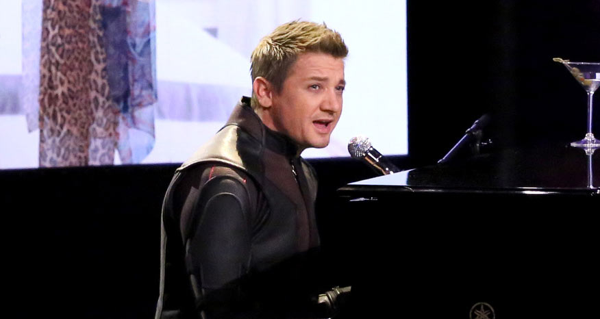 Jeremy Renner Sings Ha...