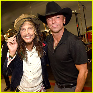 Kenny Chesney Hangs with Steven Tyler at ACM Awards 2015