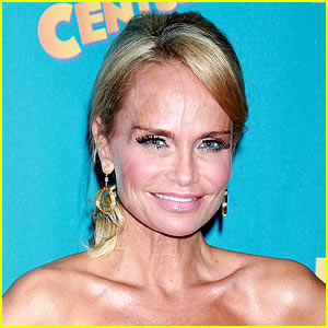 New Photos of Kristin Chenoweth Pla