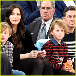 Liv Tyler & Dave Gardner Take Their Sons to a Knicks Game!
