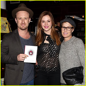 Robin Wright & Ben Foster Couple Up to Support Amber Tamblyn!