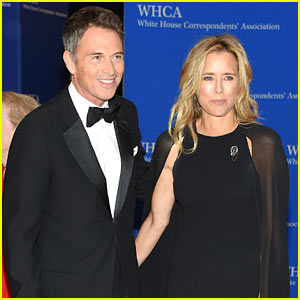 Tea Leoni & Tim Daly Make First Couple Appearance at WHCD 2015!