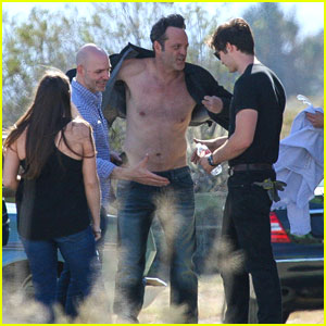 Vince Vaughn Gets Shirtless for a Photo Shoot in the Desert