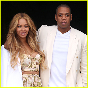 Beyonce & Jay Z Get Mobbed By Fans in These Crazy Videos!