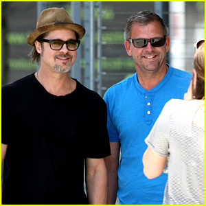 Brad Pitt Happily Greets His Fans in the Big Apple