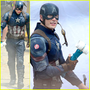 238e9568fac8b9 Chris Evans is seen holding some sort of tool while filming scenes for his  upcoming movie Captain America: Civil War on Friday (May 15) in Atlanta, Ga.