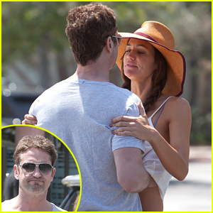 Gerard Butler Packs on the PDA with Girlfriend Morgan Brown