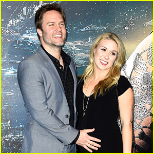 Hart of Dixie's Scott Porter & Wife Kelsey Welcome Baby Boy