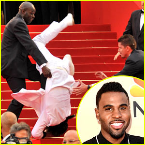 Jason Derulo Did NOT Fall Down Stairs at Met Gala 2015!
