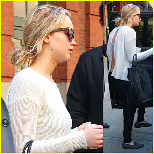 Jennifer Lawrence Shows Off Her Bare Back in NYC