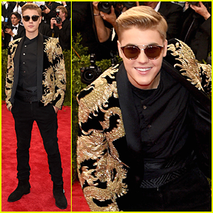 Justin Bieber Is the Golden Boy at Met Gala 2015
