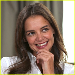 Katie Holmes Dishes on 'Dawson's Creek' Reunion! (Video)