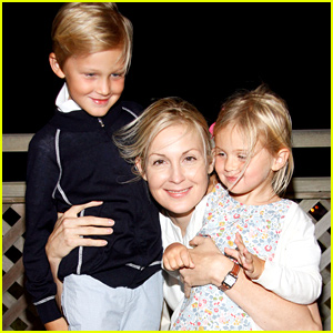Kelly Rutherford's Temporary Custody Order Blocked by Judge