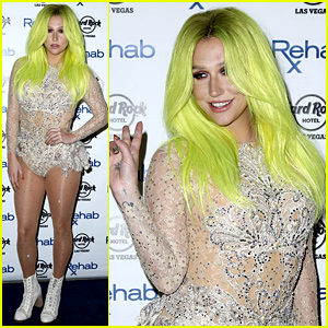 Kesha Shows Off Her Bright Green Hair for Vegas Pool Party