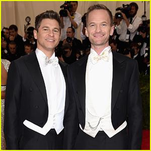 Neil Patrick Harris & David Burtka Wear Matching Tuxes at Met Gala 2015