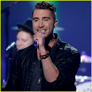 Nick Fradiani's 'American Idol' Season 14 Finale Performances (Video)