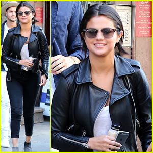Selena Gomez Attends Sunday Church in New York City