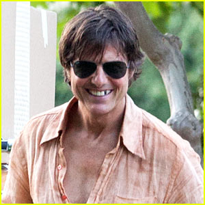 Tom Cruise Blacks Out His Tooth for 'Mena' Filming