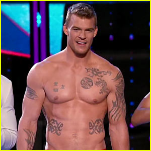 Alan Ritchson Tats Up His Buff Body for 'I Can Do That' Stunts!