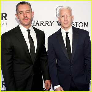 Anderson Cooper & Boyfriend Benjamin Maisani Bring Their Good Looks to NYC's amfAR Gala 2015!