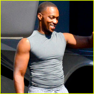 Anthony Mackie's Buff Biceps Take Over 'Captain America' Set